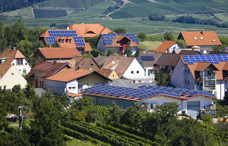 Проучване показва, че слънчевата енергия произведена от покривните панели, може да захранва 25% от цяла Европа.