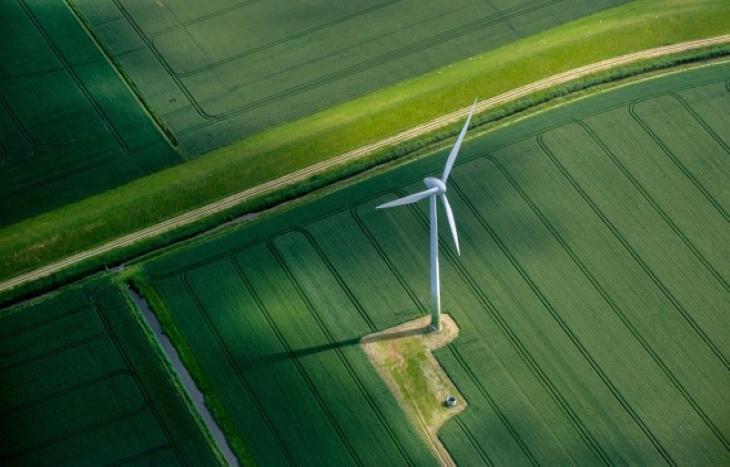 Зелената енергия настъпва с най-бързи темпове от 1999 г.