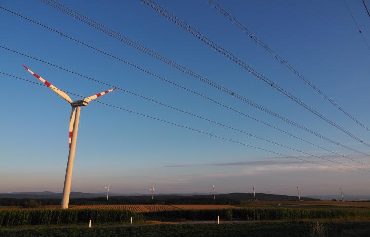 BP: Глобалният капацитет на вятърната и слънчева енергия нарасна с рекордни темпове през 2020 г.